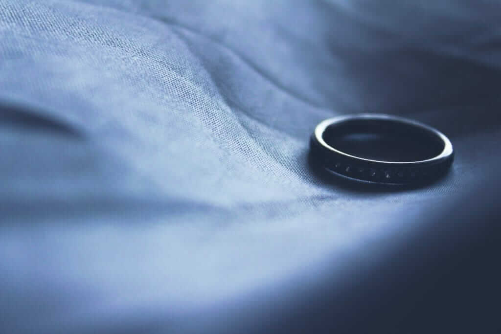 Divorce, Wedding Ring